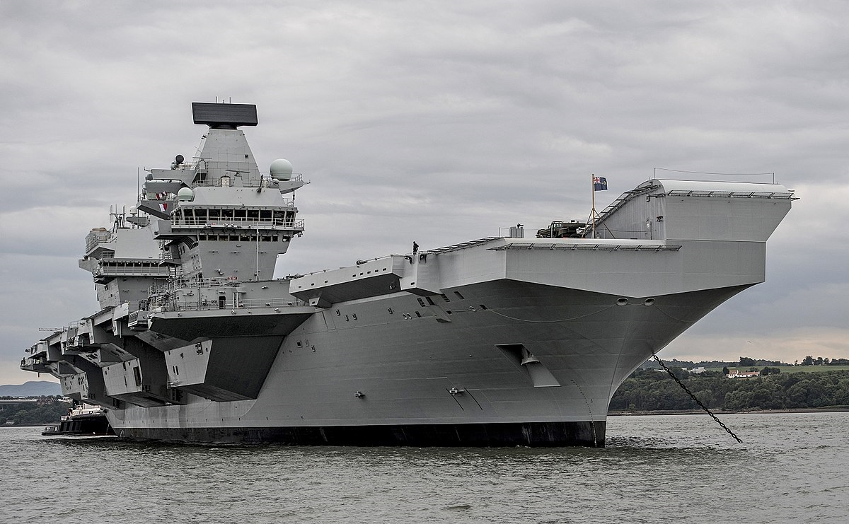 2018/01/1200px-HMS_Queen_Elizabeth_conducts_vital_system_tests_off_the_coast_of_Scotland_MOD_45162795324_1516634336.jpg